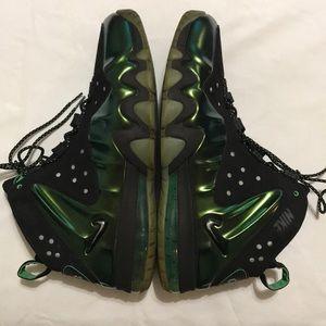 Nike 14 Barkley Posite Max eggplant